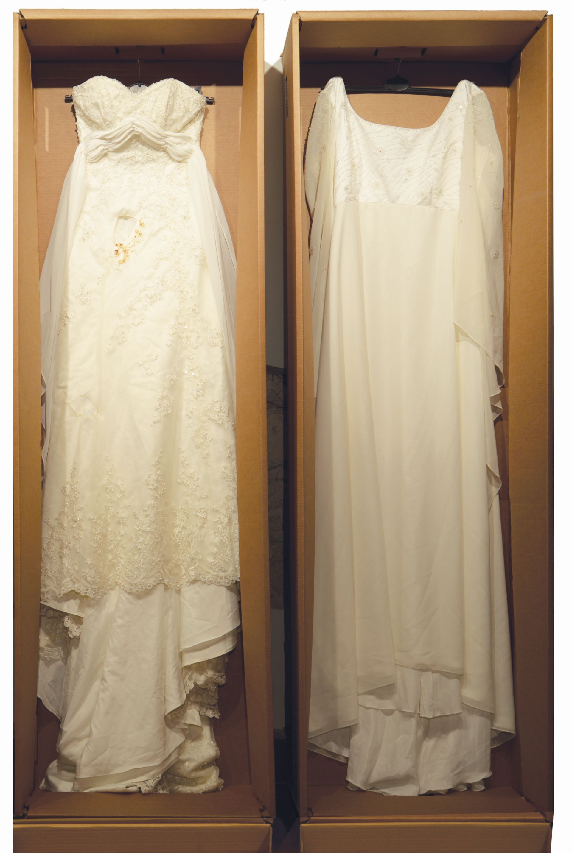 Popiół i diamenty, suknie ślubne, trumny do spopieleń